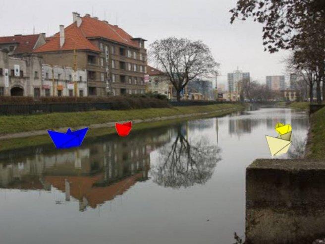 Farebné loďky